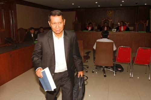 Mantan Dirut PT Pelindo II RJ Lino seusai menjadi saksi dalam sidang di Pengadilan Tipikor, Jakarta Pusat. Foto: MI/Bary Fathahilah.