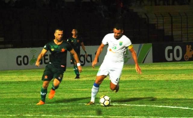 Aleksandar Rakic (kiri) belum ada klub yang menghubunginya untuk musim depan-Medcom.id/Ahmad Mustaqim
