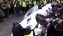 Tolak Kenaikan BBM, 'Rompi Kuning' Rusak Mobil-Mobil Mewah di Prancis
