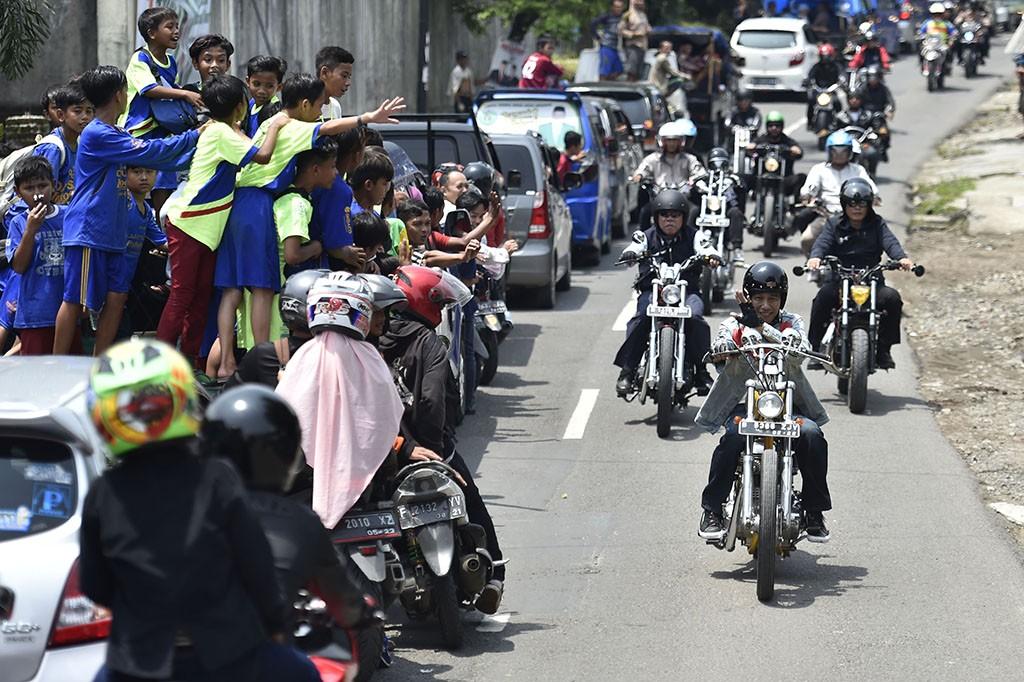 Jokowi menunjukan perhatiannya dengan industri sepeda motor custom di tanah air. ANTARA/Puspa Perwitasari