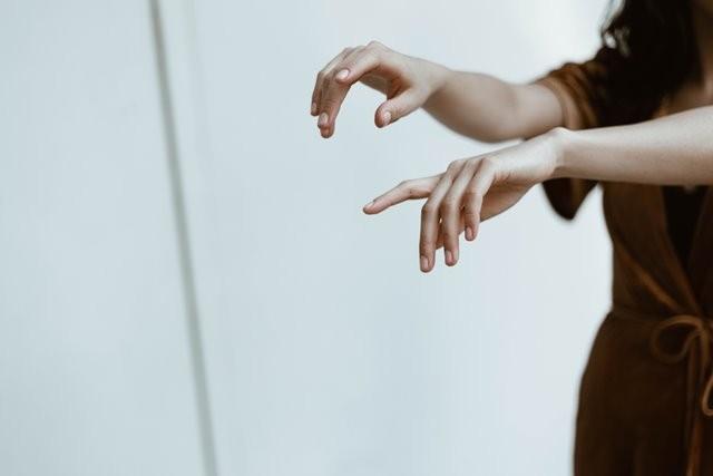 Terkadang bengkak pada jari dapat menunjukkan kondisi kesehatan yang lebih serius. (Foto: Ilustrasi. Dok. David Fanuel/Unsplash.com)