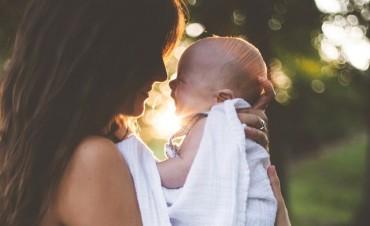 Menggendong Bayi dari Berbagai Posisi