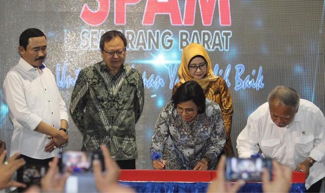 Pemerintah meresmikan proyek Kerjasama Pemerintah dan Badan Usaha Sistem Penyediaan Air Minum (SPAM) Semarang Barat senilai Rp1,1 Triliun. Foto: Ist.