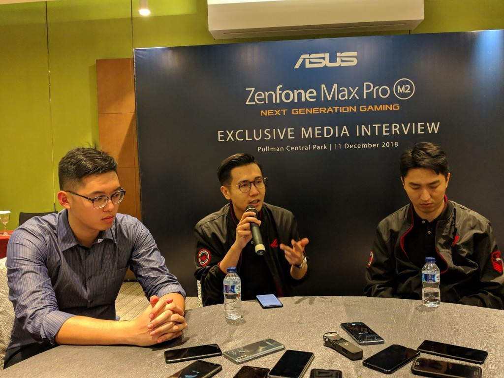 (tengah) Southeast Asia Regional Director ASUS, Jimmy Lin.