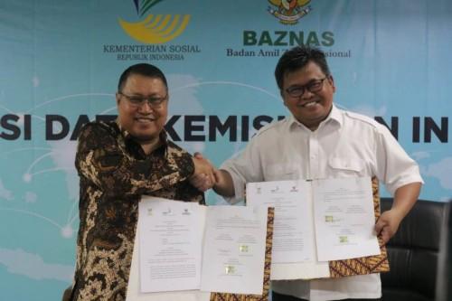 Dirjen PFM Kemensos Andi ZA Dulung dan Direktur Utama BAZNAS