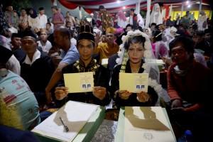 DKI Berencana Kembali Gelar Nikah Massal