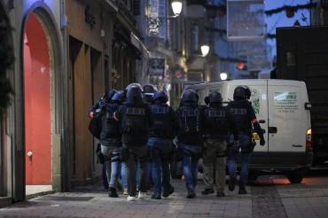 Polisi Masih Buru Pelaku Penembakan Strasbourg