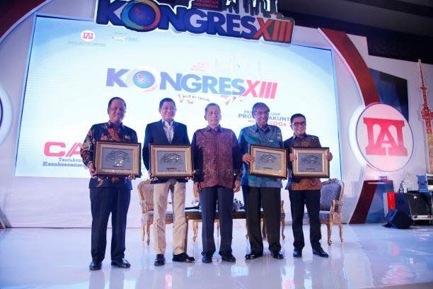 """Para narasumber usai """"Talkshow bersama Para Penjaga Negeri"""" dalam rangka Seminar Kongres XIII Ikatan Akuntan Indonesia (IAI), Kemenristekdikti/humas."""