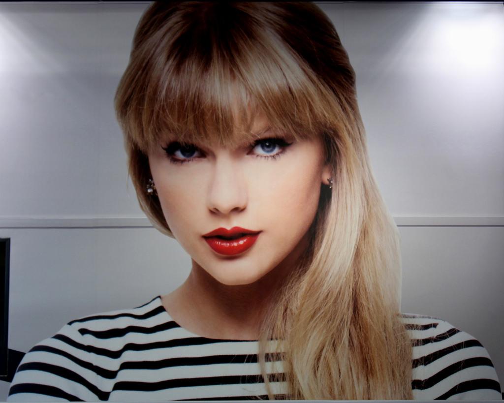 Taylor Swift gunakan sistem pengenalan wajah di konsernya.