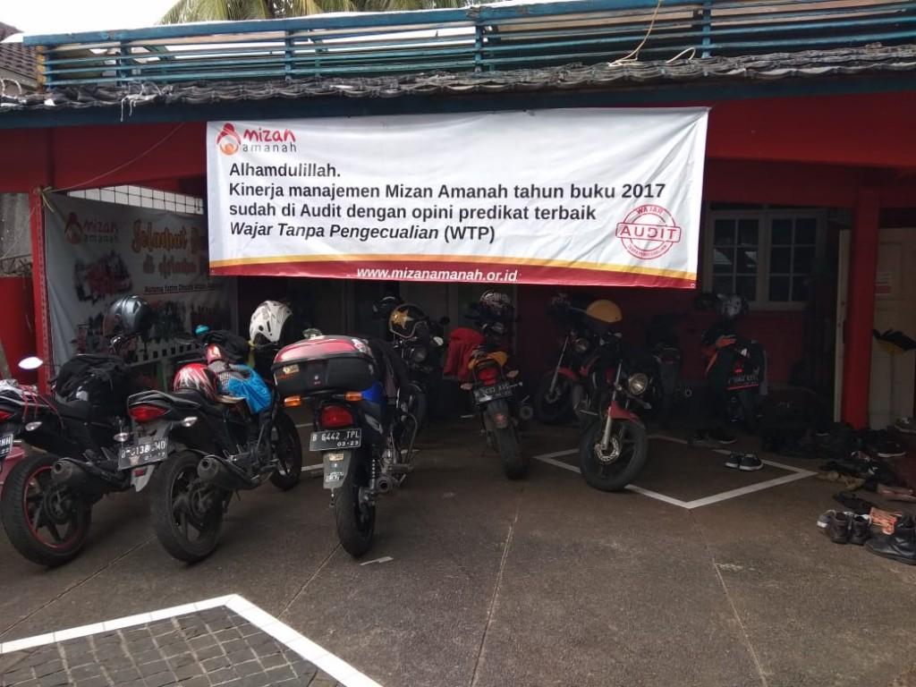 HMPC Jakarta mengunjungi panti asuhan di Cipete Jakarta. HMPC Jakarta