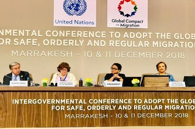 Menlu Retno Marsudi (dua kanan) dalam konferensi keimigrasian PBB di Marrakesh, Maroko, Senin 10 Desember 2018. (Foto: Twitter/Menlu_RI)