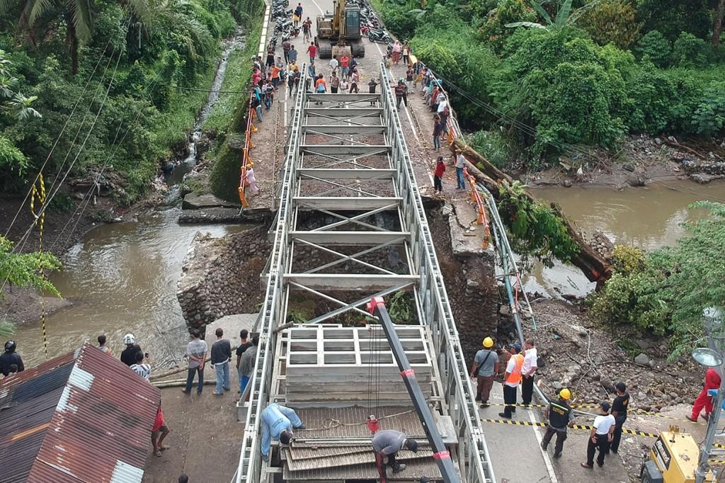 Jembatan Sementara Jalur Padang-Pekanbaru Ditargetkan Selesai Sabtu