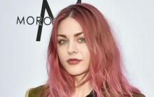 Putri Kurt Cobain Bocorkan Lagu Baru di Media Sosialnya