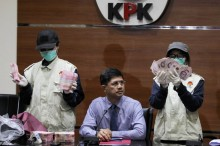 KPK akan Panggil Ayah Bupati Cianjur