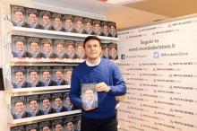 Zanetti Luncurkan Buku Terbaru