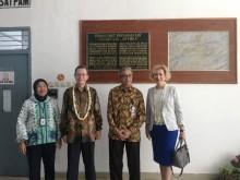 Rusia Hibahkan Alat Medis ke RS Persahabatan Jakarta