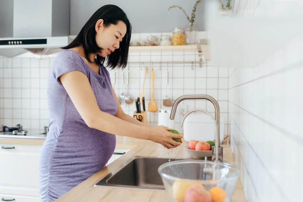Pentingnya Ibu Hamil Menghindari Makanan Pemicu Diabetes (Foto: stocksy)