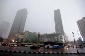 Hujan Basahi Sebagian Wilayah Jakarta di Siang Hari