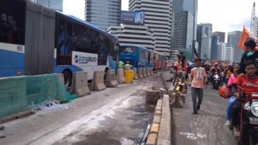TransJakarta Rute Blok M - Kota Terganggu