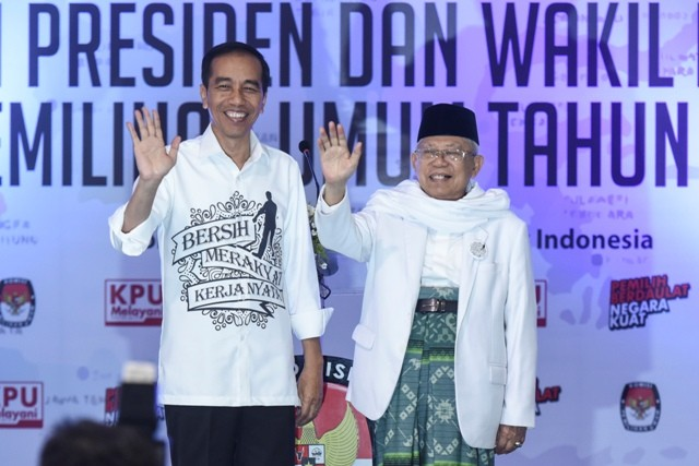 Pasangan calon Presiden dan Wakil Presiden Joko Widodo (kiri) dan Ma'ruf Amin (kanan). Foto: Antara/Hafidz Mubarak.