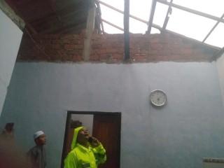 Puluhan Rumah di Sidoarjo Dirusak Puting Beliung