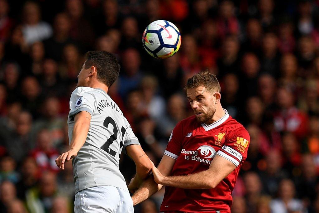 Suasana laga Liverpool vs Manchester United pada Liga Primer Inggris 2017--2018. (AFP PHOTO / Paul ELLIS)