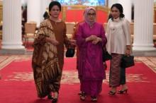 Ibu Negara Ziarah ke Makam Istri Wapres