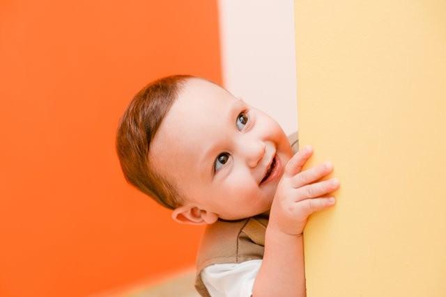 Bagaimana tonggak perkembangan si kecil yang berusia 2-3 tahun? Simak informasinya. (Foto: Aaron Mello/Unsplash.com)