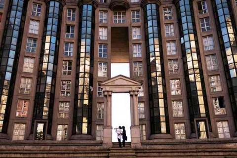Les Espaces d'Abraxas, Apartemennya Hunger Games