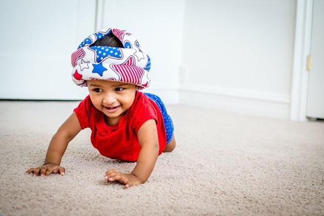 Kapan si kecil mulai merangkak? Simak lebih lanjut informasi di bawah ini. (Foto: Rohit Farmer/Unsplash.com)