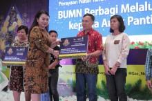 PGN dan Bukit Asam Gelar Natal Bersama 500 Anak Yatim Piatu