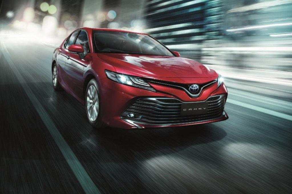 New Toyota Camry memiliki tampilan yang sangat sporty. Toyota