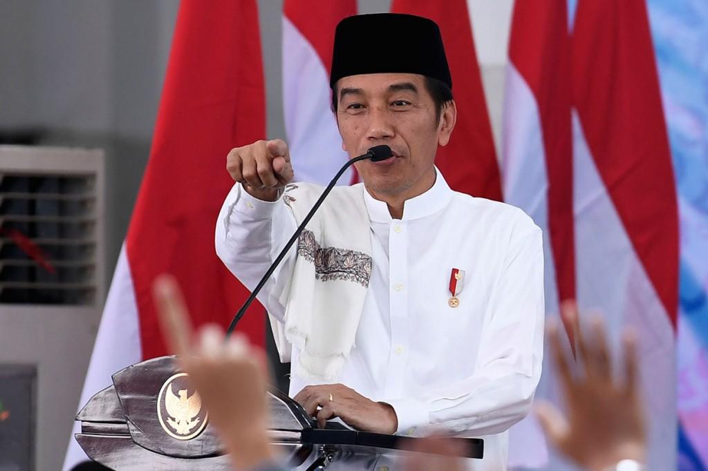Jokowi Blusukan ke Ponpes Besar di Jatim