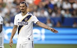 Ibrahimovic Isyaratkan Bertahan di LA Galaxy