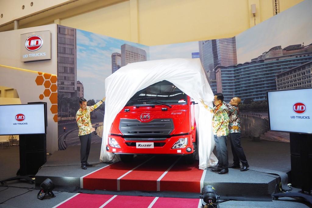 UD Trucks optimis mainkan segmen pasar medium duty truck di Indonesia karena naiknya permintaan di sektor pertambangan dan infrastruktur. UD Trucks