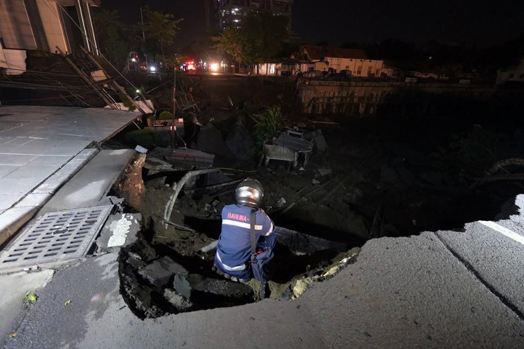 Jalan Gubeng Surabaya Ambles