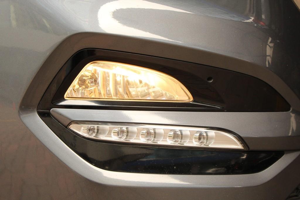 masih banyak pemilik mobil awam yang hanya tahu bahwa foglamp adalah aksesoris tambahan untuk membedakan fitur dan tingkat kemewahan sebuah mobil. Hyundai