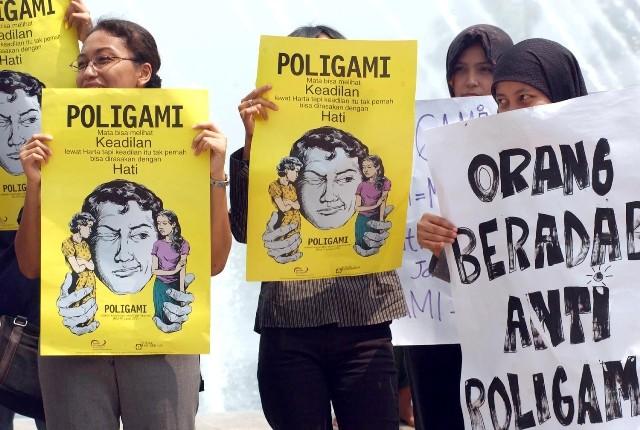 Tolak poligami. Foto: Antara/Saptono