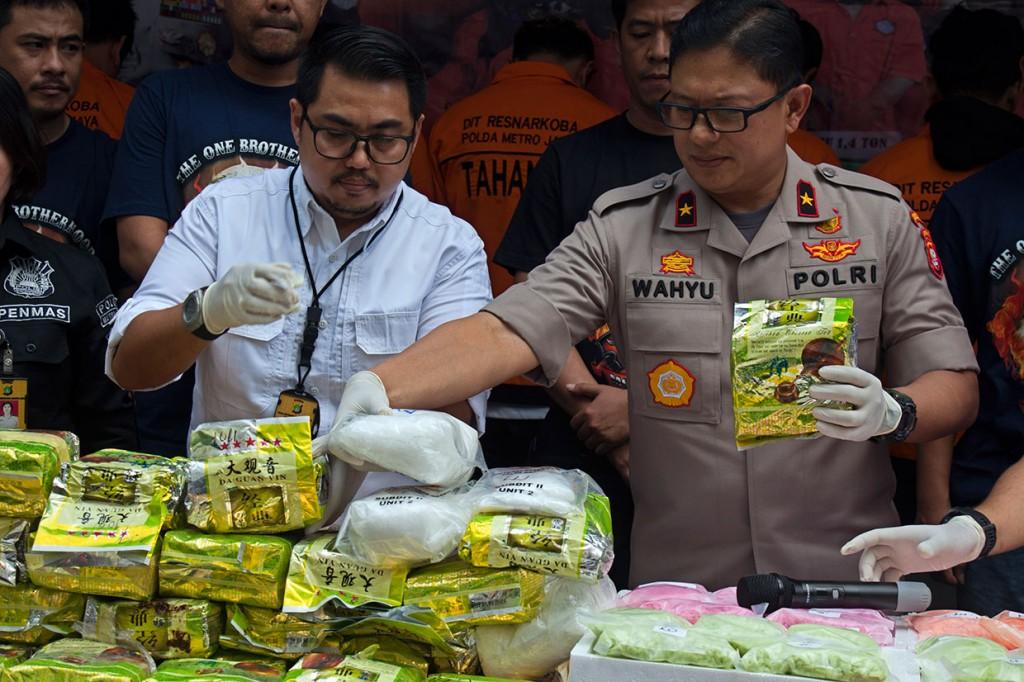 Polisi Ungkap Peredaran 70 kg sabu dan 49 Ribu Ekstasi