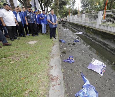 Ketua Umum Partai Demokrat Susilo bambang Yudhoyono melihat