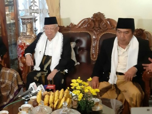 Vice presidential candidate Ma'ruf Amin (left) (Photo: