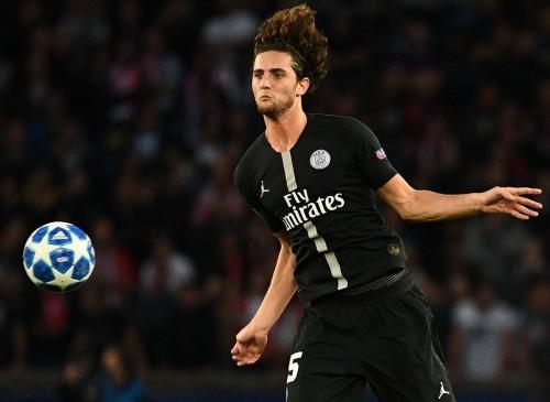 Gelandang PSG, Adrien Rabiot, setuju bergabung dengan Barcelona