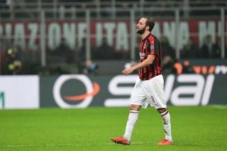 Tak Kunjung Cetak Gol, Higuain Dibela Kapten Milan