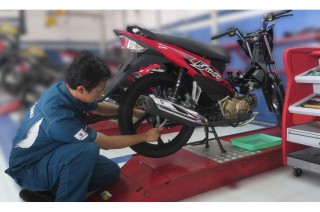 Trik Mendeteksi Kerusakan <i>Shockbreaker</i> Sepeda Motor
