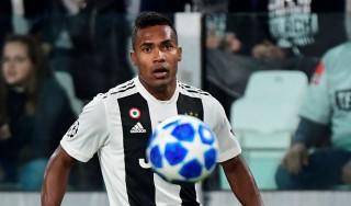 Alex Sandro Tambah Masa Bakti di Juventus
