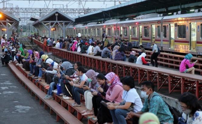 Ilustrasi penumpang KRL. Foto: MI/Susanto