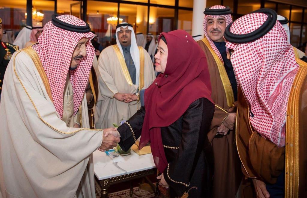 Menko PMK Puan Maharani memenuhi undangan pembukaan Festival Janadriyah ke-33. (Foto: Dok. Kemenko PMK)