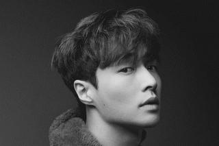 Lay EXO Rilis Lagu Natal