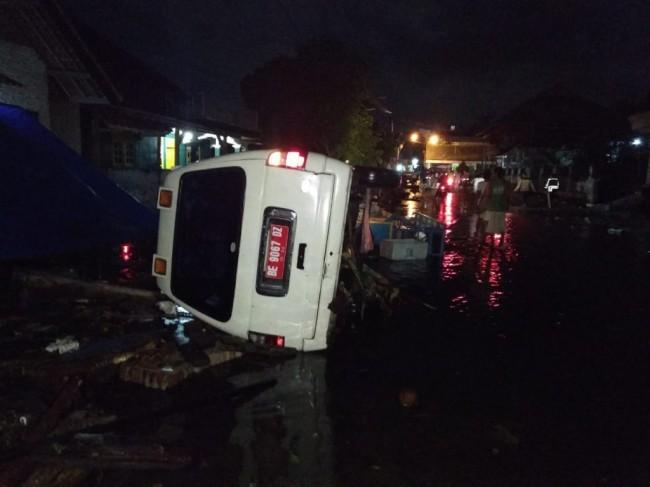Ilustrasi kondisi jalan akibat tsunami di Selat Sunda--Istimewa