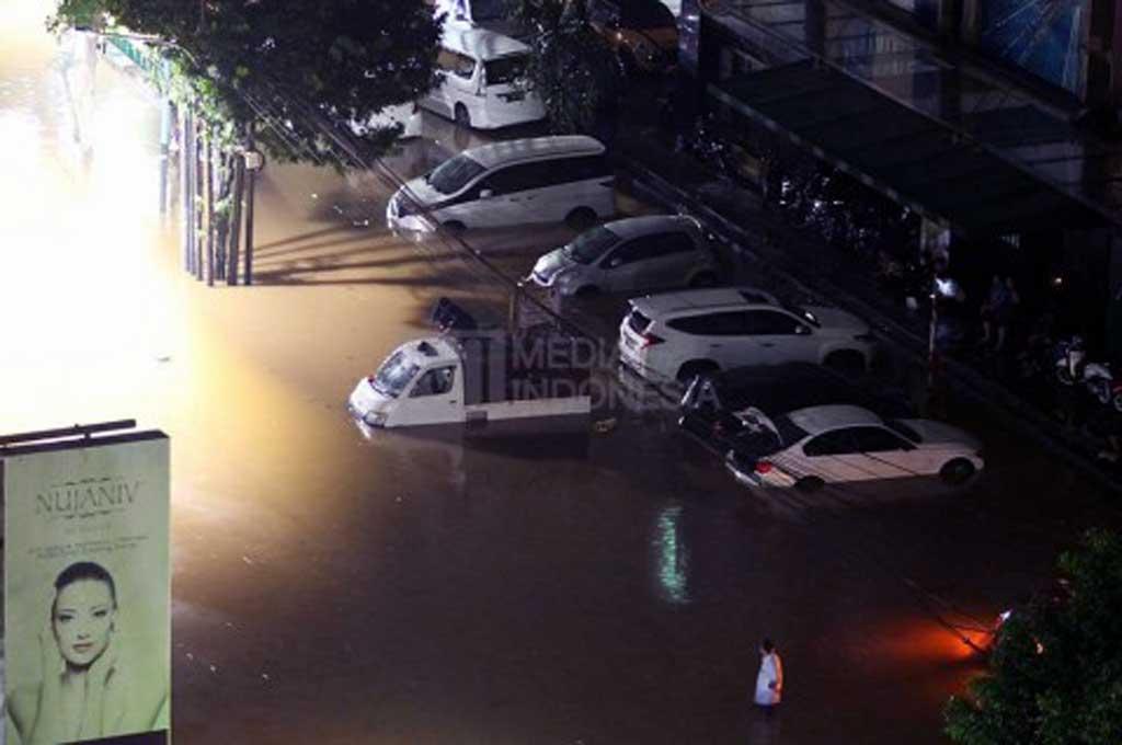 Jangan asal menangani mobil yang terendam banjir serahkan ke ahlinya. Dok. MI